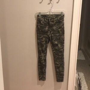 cute hippie laundry camouflage jeans!!